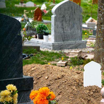 Poser-un-monument-sur-la-sépulture-de-mon-défunt